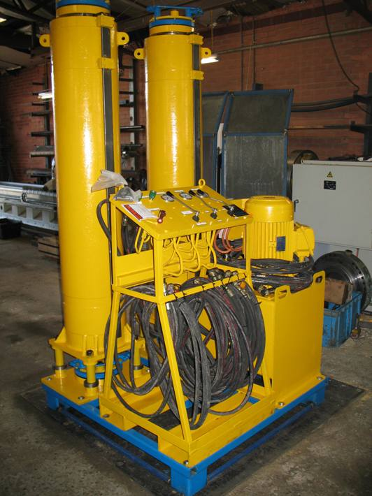 Strand Jack Lifting System: 2 x 50T Jacks Power Pack and Contol Console